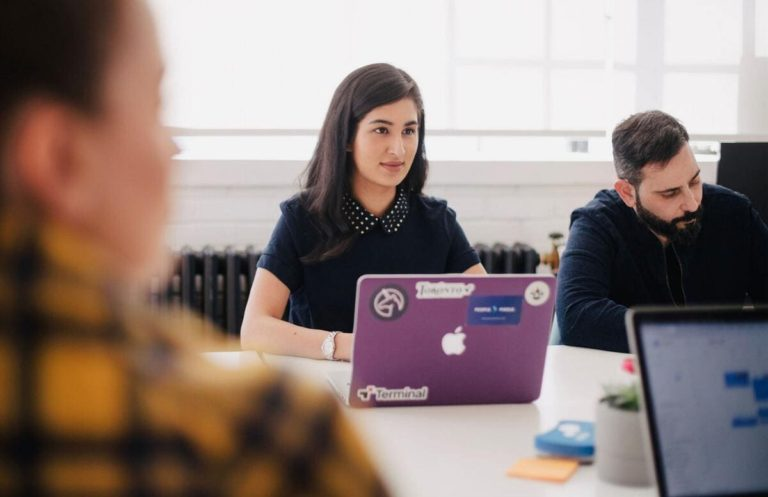crear cultura de trabajo entre corporates y startups